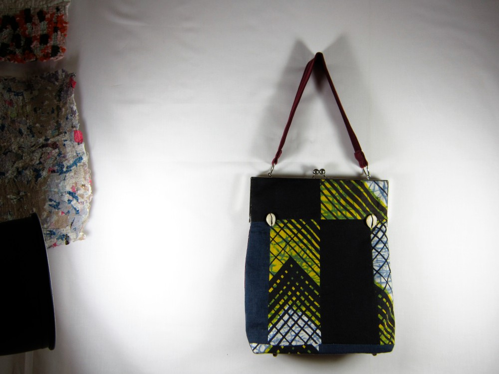 tote conversion purse © maggie winnall 2011
