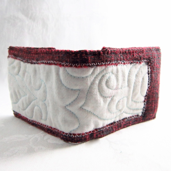 hand made quilted red and white oyster card wallet by maggie winnall-sewin studio